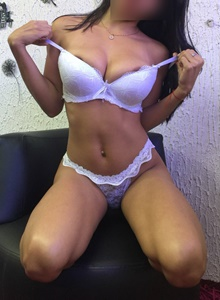 KINESIOLOGAS  CHACLAYO, Las mujeres más lindas y complacientes están en ConejitasHot. Escorts, putas, prostitutas y damas de compañía brindando servicios personales y sexuales. Sexo con Chicas vip, jovencitas y Chibolitas, maduras y universitarias de lujo. Venezolanas, colombianas y extranjeras.
